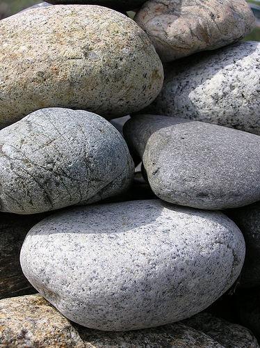 gratitude-rocks-stones